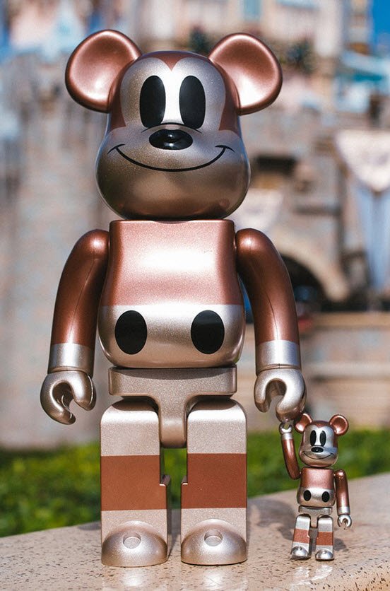 Bearbrick Undefeated x Mickey Mouse [90th Anniversary] (400%)